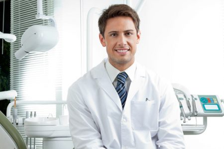 How Soon Should I Get Dental Care If My Gums And Teeth Start Hurting?